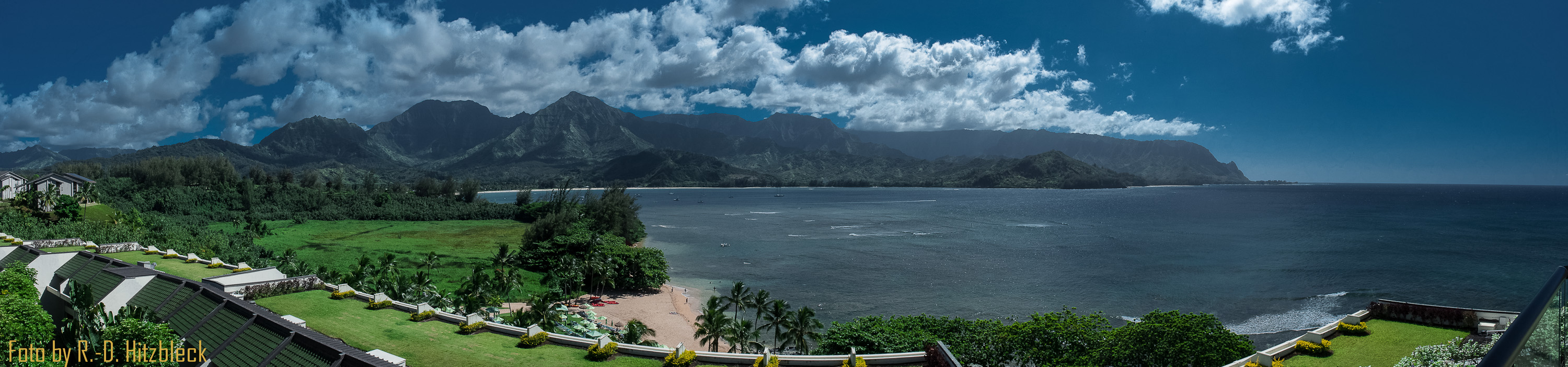 Click on the picture to view Hanalei Bay in full screen